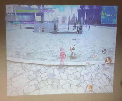 プロジェクターにスマホゲーム画面を映した所