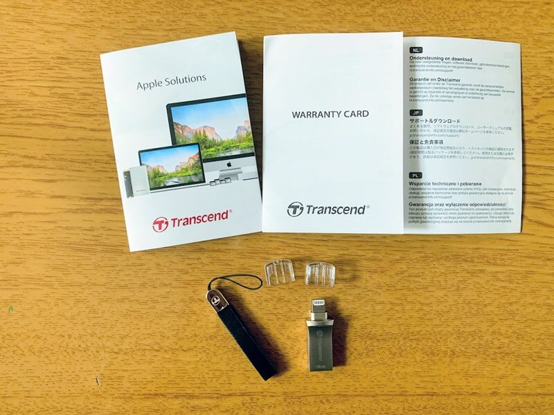 トランセンドのiPhone・iPad対応USBメモリー付属品